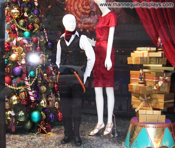 x-mas mannequin shop display
